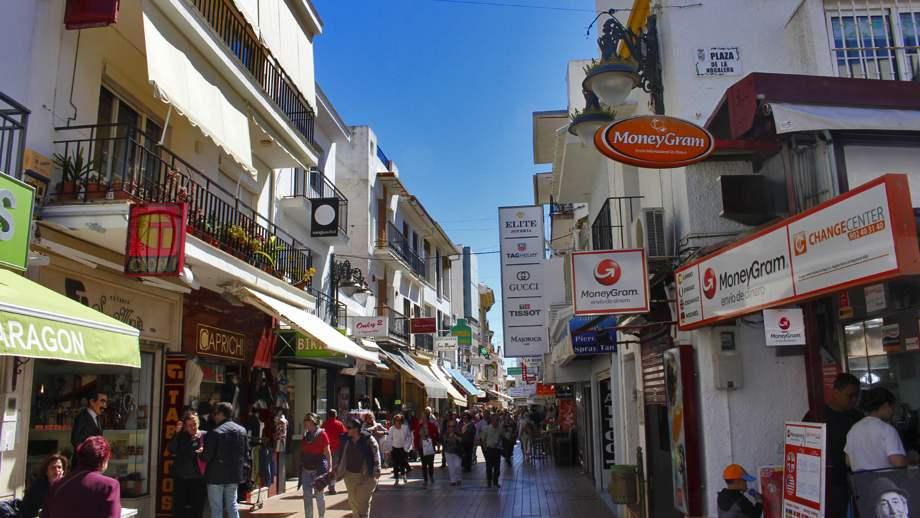 Calle San Miguel en Torremolinos - Viaja Málaga